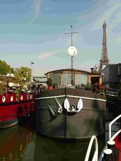 Paris France Vacation Rentals - Houseboat