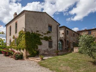 San Giovanni d'Asso Italy Vacation Rentals - Home