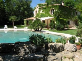 Les Milles France Vacation Rentals - Home