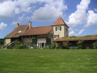 Macon France Vacation Rentals - Home