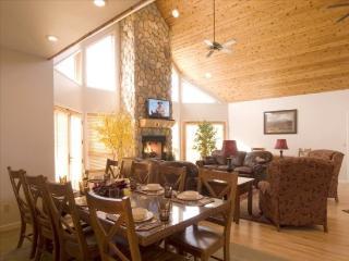Bull Moose Lodge Exterior