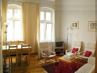 Vacation Apartment in Berlin - 538 sqft, central, quiet, classical (# 3186) #3186