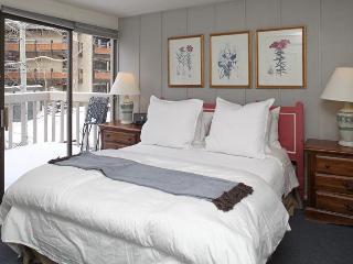 Sonnenblick Master Bedroom