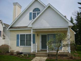 Manistee Michigan Vacation Rentals - Cottage
