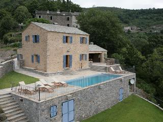 Corte France Vacation Rentals - Home