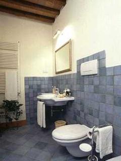 Pleasant Tuscan Apartment on Large Hillside Estate - Il Cortile del Borgo 13