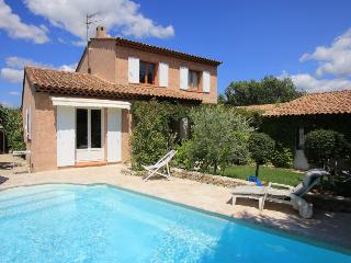 Pertuis France Vacation Rentals - Villa