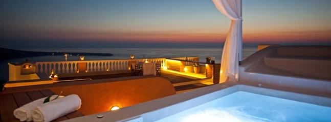Blue Villas| Oia |High end luxury in Santorini