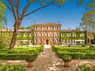 Saint-Martin-de-Crau France Vacation Rentals - Home