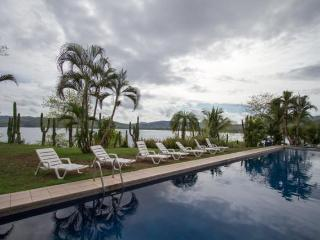 Playa Flamingo Costa Rica Vacation Rentals - Apartment