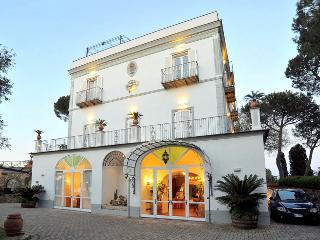Metrano Italy Vacation Rentals - Home