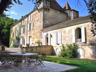 Thiviers France Vacation Rentals - Home