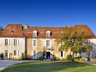 Saint-Martin-des-Combes France Vacation Rentals - Home