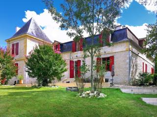 Port Sainte Foy et Ponchapt France Vacation Rentals - Home