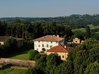 Legoli Italy Vacation Rentals - Home