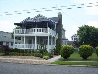244 108th Street Stone Harbor NJ Seashore Home Exterior View