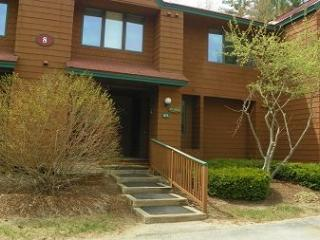 2 Bedroom Deer Park Vacation Rental near Lincoln, NH