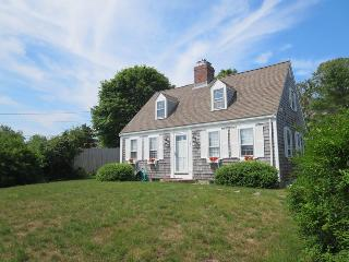 Welcome to 6 Breezy Way - 6 Breezy Way South Harwich Cape Cod New England Vacation Rentals