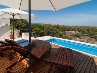 Beautiful house with pool for rent, Pucisca, Brac island