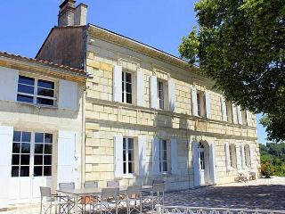Lugon-Et-L'Ile-Du-Carnay France Vacation Rentals - Home