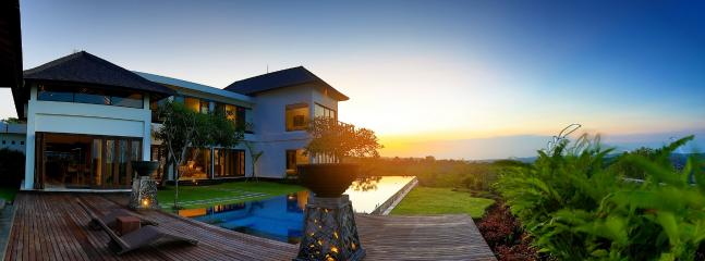 Luxury Sunset View 3BR, Uluwatu