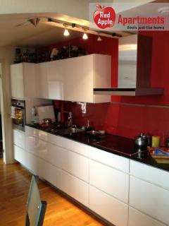 Charming 3 bedroom apartment, 5 min walk to Heden - 5451