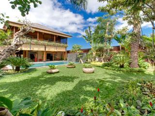 Villa Kinara - Gardens