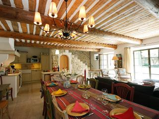 Maubec France Vacation Rentals - Villa