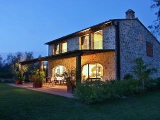 Lucardo Italy Vacation Rentals - Farmhouse / Barn