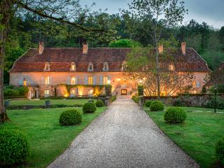 Le Bugue France Vacation Rentals - Home