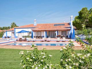 Olhos de Agua Portugal Vacation Rentals - Villa