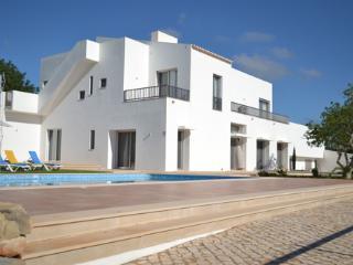 Porches Portugal Vacation Rentals - Villa