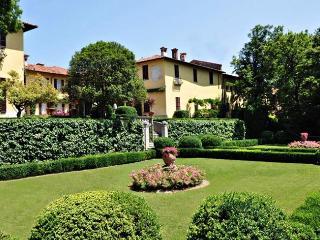 Calco Italy Vacation Rentals - Villa