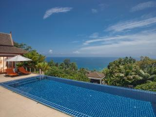 Baan Bon Khao - The pool and view