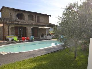 Valtopina Italy Vacation Rentals - Home