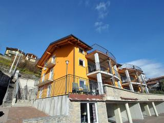 Vercana Italy Vacation Rentals - Home
