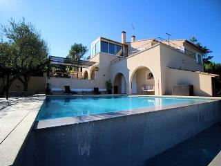 Nimes France Vacation Rentals - Villa
