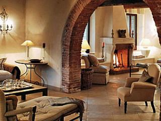 Lisciano Niccone Italy Vacation Rentals - Farmhouse / Barn