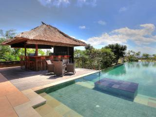 Bukit Indonesia Vacation Rentals - Villa