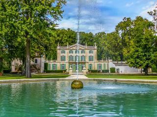 Sarrians France Vacation Rentals - Villa
