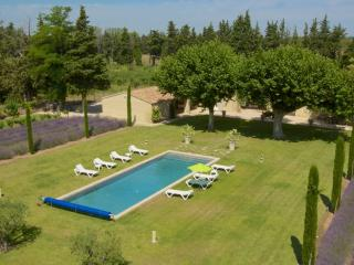 Lagnes France Vacation Rentals - Villa