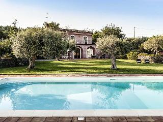 Milo Italy Vacation Rentals - Home