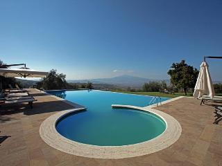 Monticchiello Italy Vacation Rentals - Home