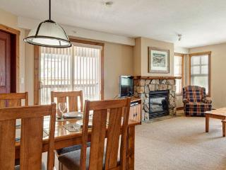 Spacious, bright living and dining area
