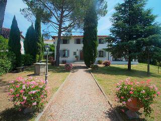 Limite Sull'Arno Italy Vacation Rentals - Villa