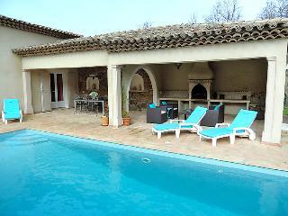 Les Mayons France Vacation Rentals - Villa