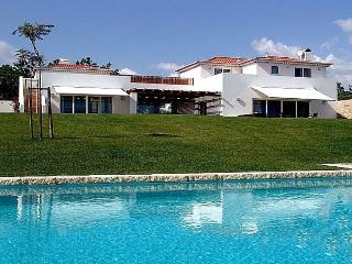 Fuzeta Portugal Vacation Rentals - Villa
