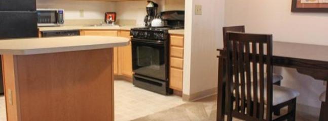 CLEAN, LUXURIOUS AND ELEGANT 2 BEDROOM, 2 BATHROOM HOME
