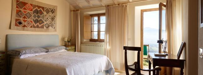 3 bedroom Villa in Chianciano Terme, Siena, Italy : ref 2259022
