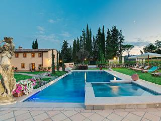 Le Piazze Italy Vacation Rentals - Villa